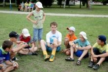 Максим Чечнев с детьми