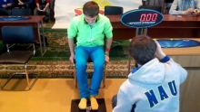 Максим Чечнев и сборка ногами