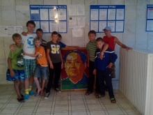 Максим Чечнев с портретом Мао